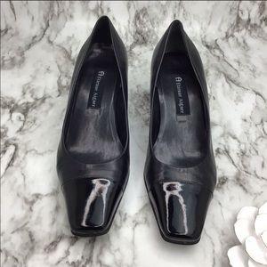 Etienne Aigner VENI Cap toe leather heels